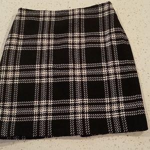 Talbots  pencil skirt black and cream white 6p
